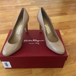 Salvatore Ferragamo Nude Leather Leo Heels - 8.5
